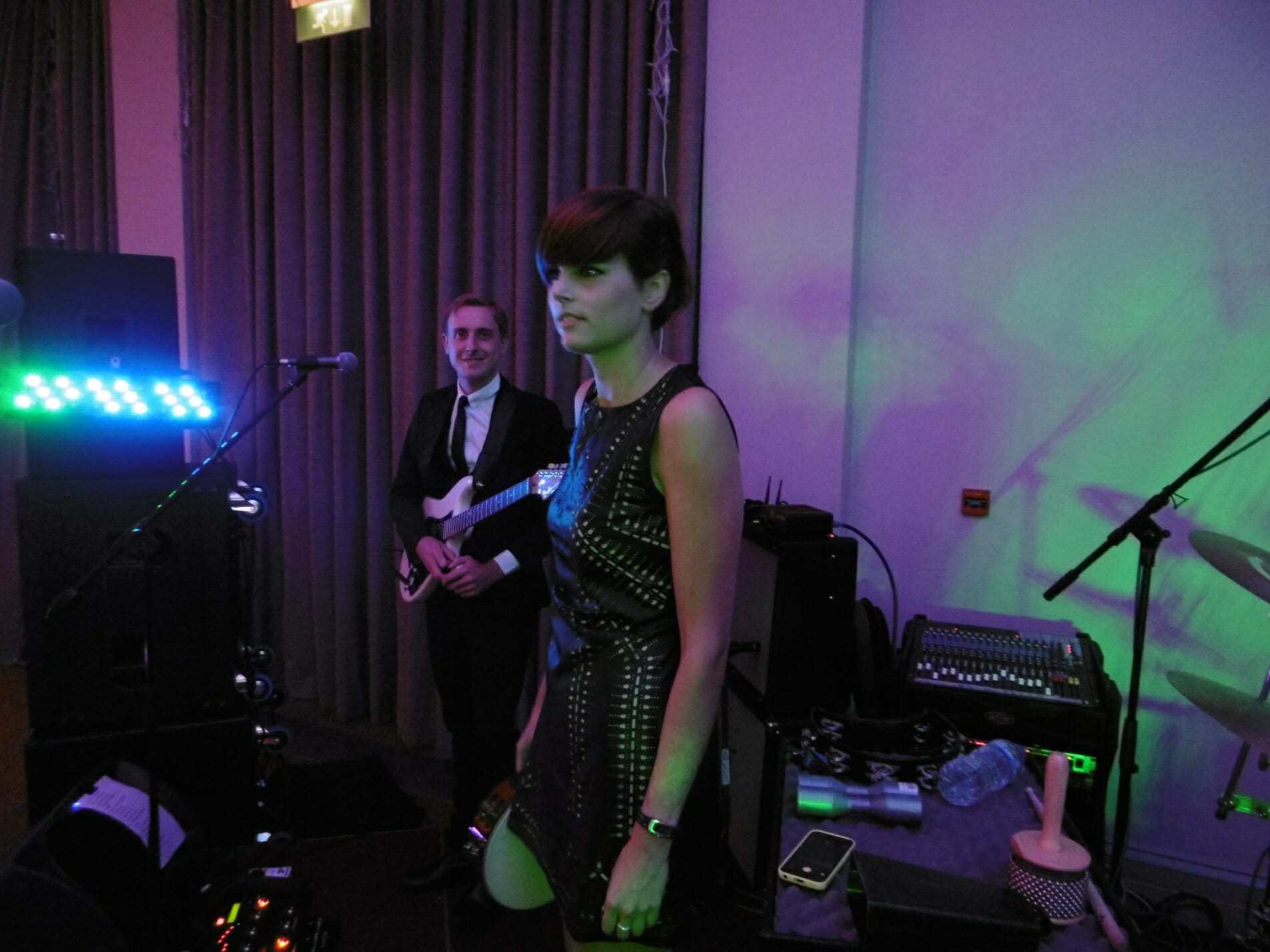 Wedding band in Wiltshire. Band at Bowood House, band playing at Bowood, Band in Berkshire, 1960s show, Sisties band, Sixites show, 60s theatre show, Hire a 60s band, Wedding band in South West, Wedding band in Rockley