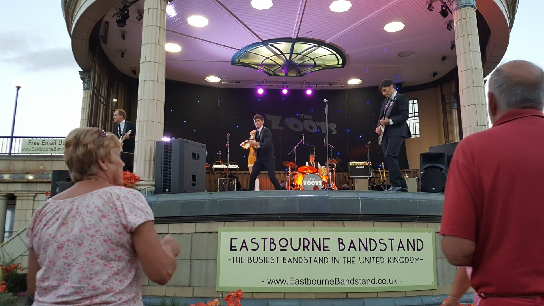 60s tribute show, sounds of the sixties, tribute sixties, eastbourne bandstand, 60s concert, The Zoots, jamie Goddard, Party band Eastbourne